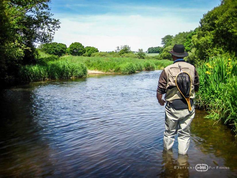 Pêche à la mouche sur la rivière Aulne