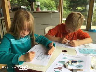 Apprendre la pêche à la mouche aux enfants